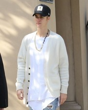 Justin Bieber sported a 424 x Black Dakini link necklace with spinel beads while out in Beverly Hills.