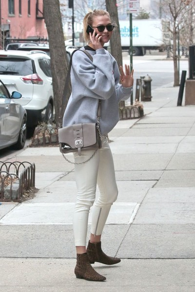 More Pics of Karlie Kloss Leather Shoulder Bag (1 of 13) - Shoulder Bags Lookbook - StyleBistro