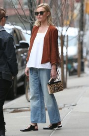 Kate Bosworth was spotted out in New York City rocking baggy, washed-out jeans.