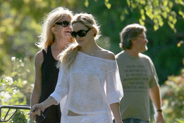 Kate Hudson Kurt Russell Kate, Goldie And Kurt Leaving A Friends House