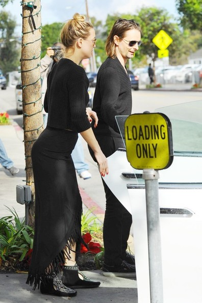 Kate Hudson sealed off her all-black look with a pair of studded moccasins by Isabel Marant.