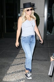 Kate Hudson looked relaxed in a gray tank top with a necklace from Established while out and about in New York City.