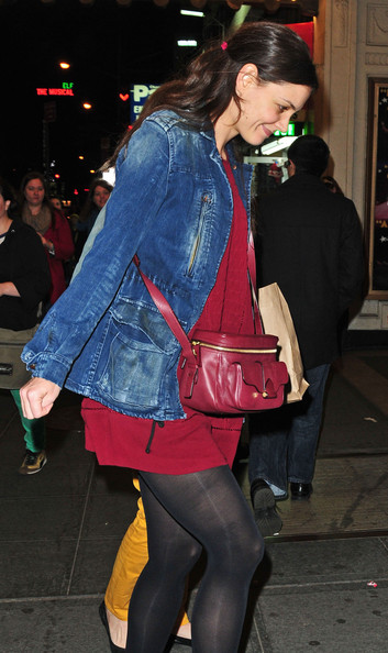 More Pics of Katie Holmes Leather Messenger Bag (1 of 12) - Leather Messenger Bag Lookbook - StyleBistro