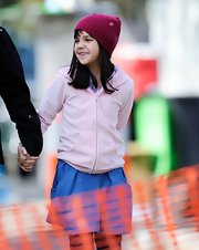 Bailee Madison wore a pink beanie on the set of 'Don't Be Afraid of the Dark.'