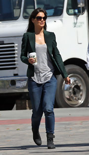 While on set for her upcoming movie 'Jack & Jill', Katie showed off a suede green blazer.