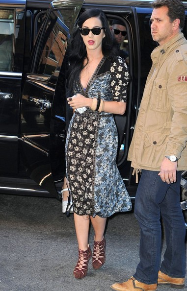 Katy Perry Cutout Boots []