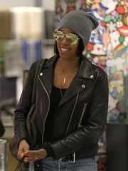 Kelly Rowland tried to keep a low profile with a gray beanie and a pair of aviators while shopping in Beverly Hills.
