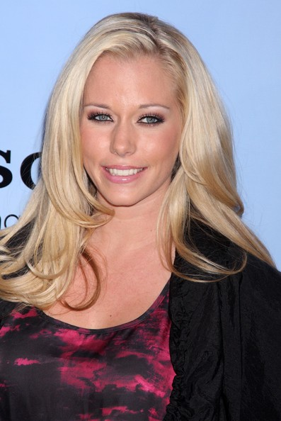 Kendra Wilkinson Medium Curls