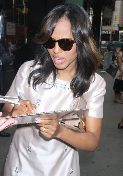 More Pics of Kerry Washington Leather Clutch (1 of 13) - Handbags Lookbook - StyleBistro