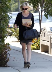Kirsten Dunst showed off her casual side in Toluca Lake where she toted around her leather shoulder bag.