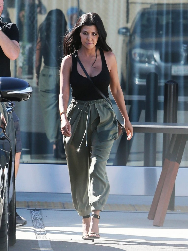 Kourtney Kardashian Tank Top Kourtney Kardashian Looks Stylebistro