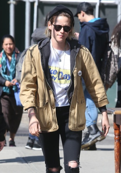 Kristen Stewart stepped out on a sunny day wearing a pair of round shades.