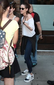 Kristen Stewart completed her outfit with a pair of Reebok sneakers.