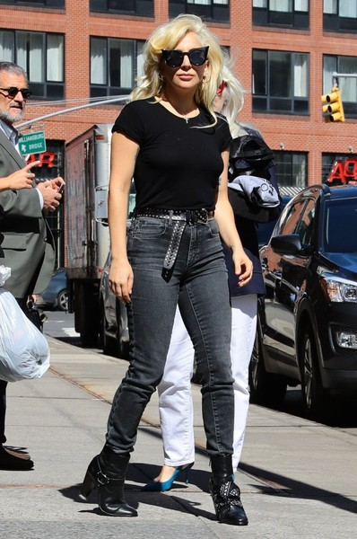 Lady Gaga High-Waisted Jeans