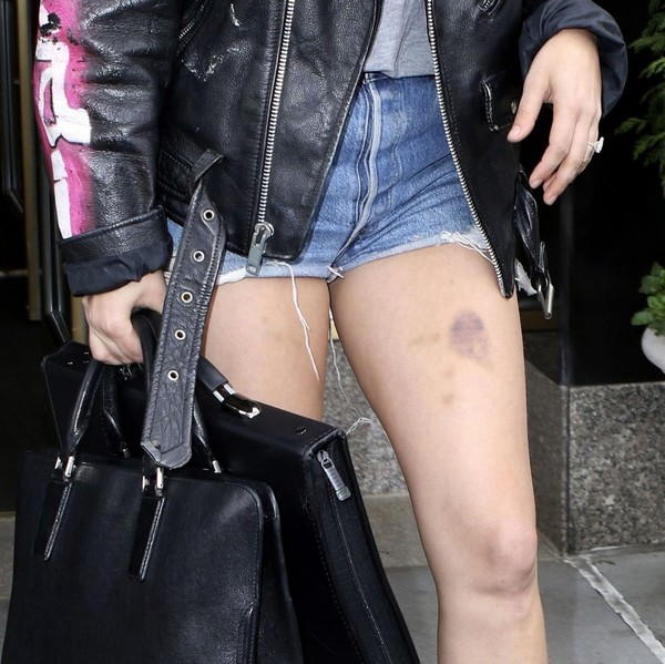 More Pics of Lady Gaga Leather Briefcase (8 of 25) - Briefcases Lookbook - StyleBistro []