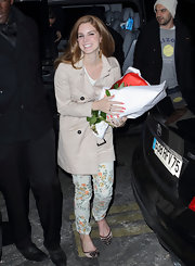 Lana topped off her look with nude and black embellished flats.