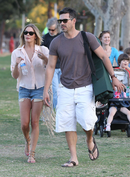 More Pics of LeAnn Rimes Jean Shorts (1 of 32) - LeAnn Rimes Lookbook - StyleBistro