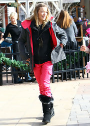 LeAnn Rimes stayed warm in Aspen wearing a pair of furry black boots.