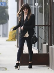 For a day at the salon, Lea Michele chose black skinny pants.