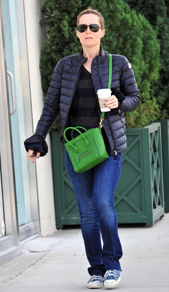 Leslie Mann went on a coffee run carrying a vibrant green leather crossbody bag.