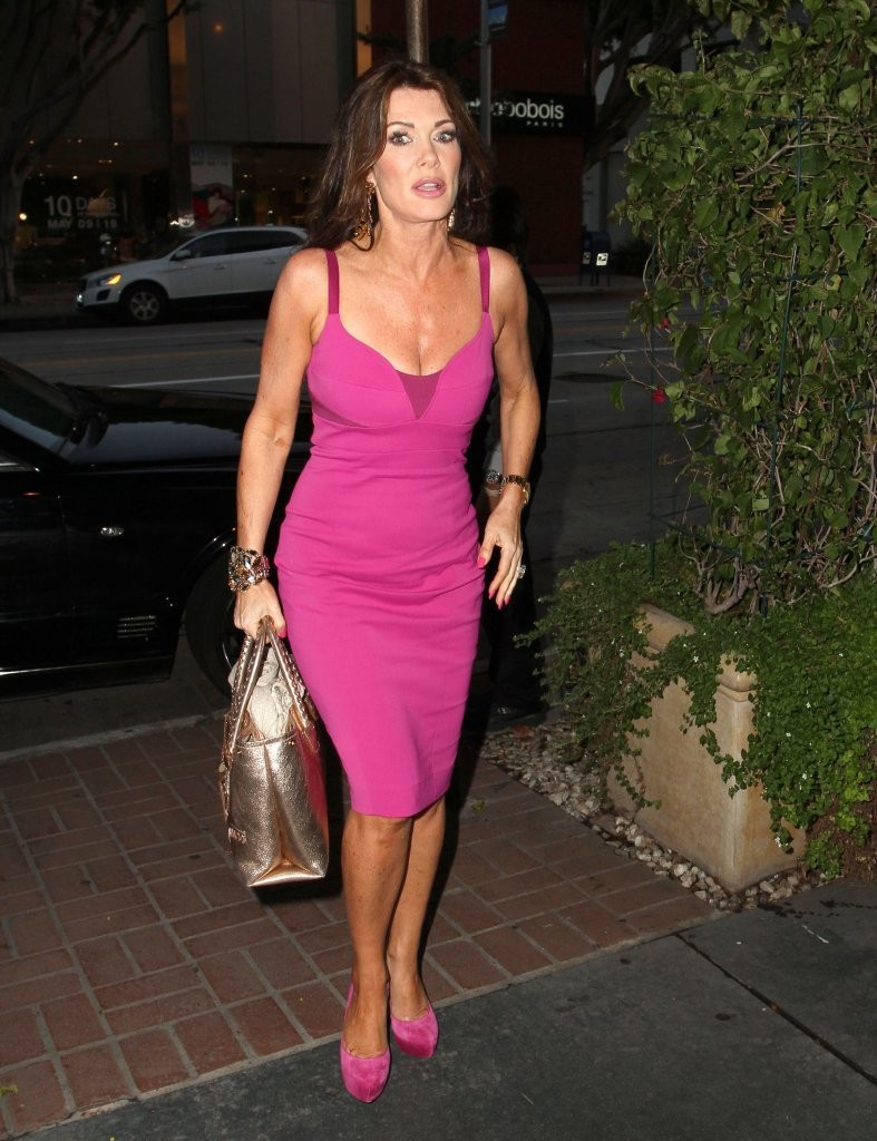 an introduction to the life and history of lisa vanderpump Stassi thinks her life is back on track when she makes up with the cast of vanderpump rules along with lisa vanderpump  nice to see what all the history is.