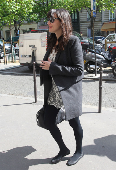 More Pics of Liv Tyler Ballet Flats (1 of 10) - Ballet Flats Lookbook - StyleBistro