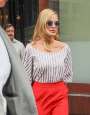 Margot Robbie went hippie-chic with these Sunday Somewhere round sunnies for a day out in New York City.
