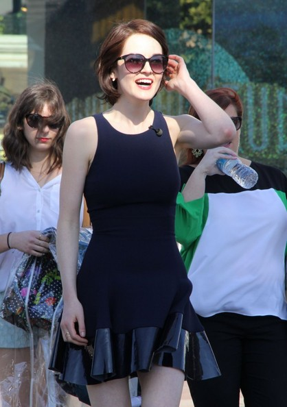 Michelle Dockery Oversized Sunglasses []