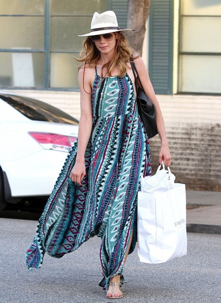 Michelle Monaghan Thong Sandals []