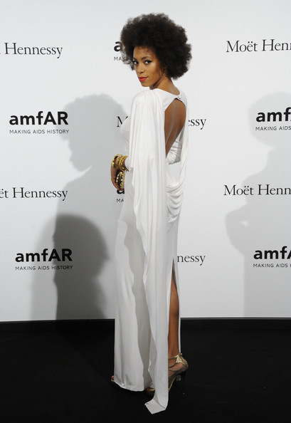More Pics of Solange Knowles Short Curls (1 of 9) - Solange Knowles Lookbook - StyleBistro []