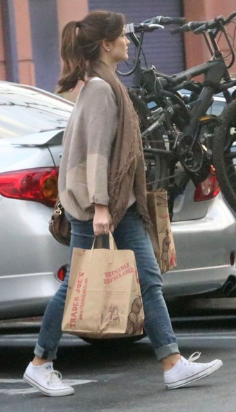More Pics of Minka Kelly Classic Jeans (2 of 20) - Minka Kelly Lookbook - StyleBistro