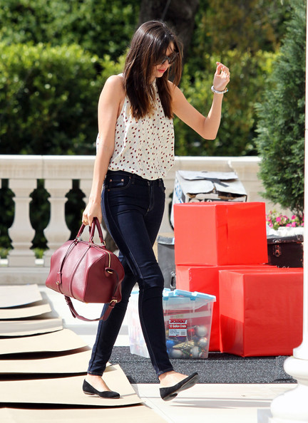 More Pics of Miranda Kerr Skinny Jeans (1 of 8) - Miranda Kerr Lookbook - StyleBistro