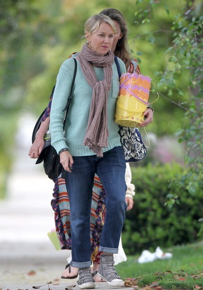More Pics of Naomi Watts Skinny Jeans (1 of 20) - Naomi Watts Lookbook - StyleBistro