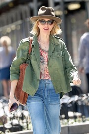 Naomi Watts enjoyed a sunny day out in New York City wearing a pair of classic cateye shades.