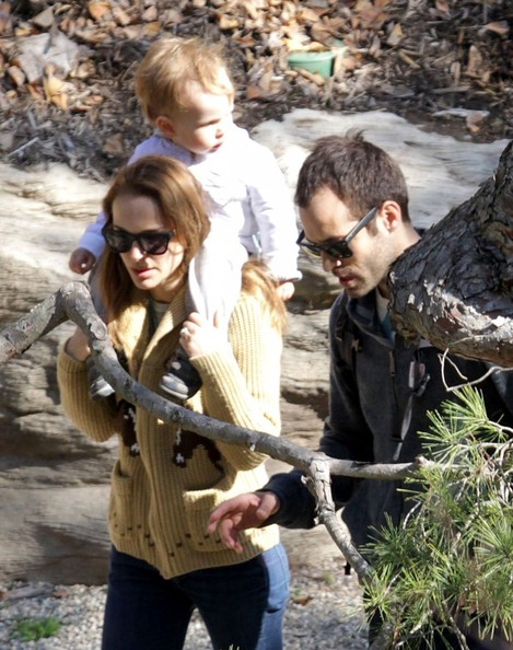 Natalie Portman And Family Enjoy A Day Out