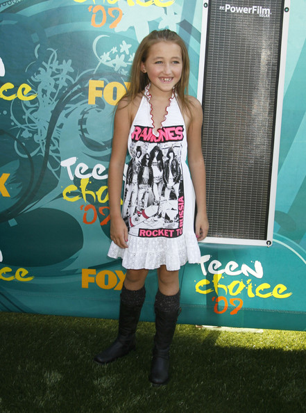 Noah Cyrus Halter Dress [clothing,footwear,yellow,snapshot,dress,fashion,leg,knee,thigh,carpet,footwear,arrivals,celebrities,socialite,teen choice awards,red carpet,2009 teen choice awards,clothing,yellow,gibson amphitheatre,noah cyrus,2009 teen choice awards,2018 teen choice awards,gibson amphitheatre,celebrity,a-teen,2009,red carpet,socialite]
