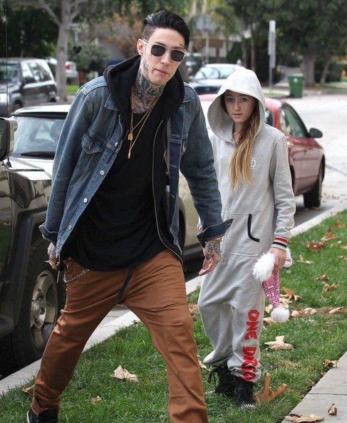 Trace & Noah Cyrus Bring Their Grandmother Christmas Dinner