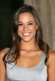 Jana Kramer accessorized her color-block dress with a delicate cross pendant necklace at premiere of 'A Perfect Getaway.'