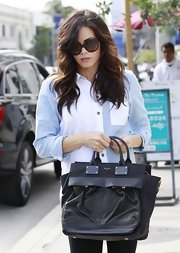 Jenna Dewan-Tatum's black tote gave her a classic but slightly edgy look while out shopping.