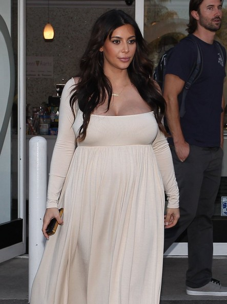 More Pics of Kim Kardashian Maternity Dress (3 of 45) - Kim Kardashian Lookbook - StyleBistro