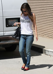 Rachel Bilson blended trends, wearing a Chanel red ballet flat with black cap toes—too cute!