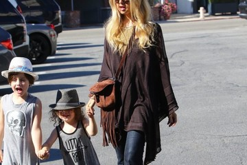 Rachel Zoe Skyler Berman Rachel Zoe and Her Kids Grab Lunch in LA