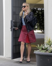 Reese Witherspoon was spotted out in Beverly Hills carrying a luxurious quilted leather bag by Chanel.