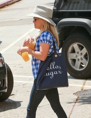 Reese Witherspoon visited a mall toting a cute 'Hello Sugar' bag by Draper James.