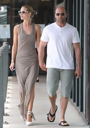 Rosie Huntington-Whiteley kept the summer vibe going all the way down to her white Castaner Carina wedge espadrilles.