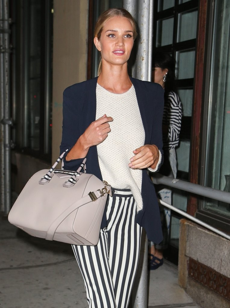 Rosie Huntington-Whiteley Leaving A Meeting In New York
