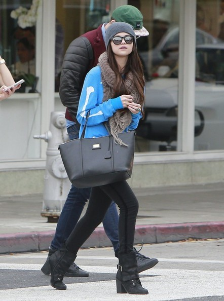 Selena Gomez Shops In Beverly Hills With Friends