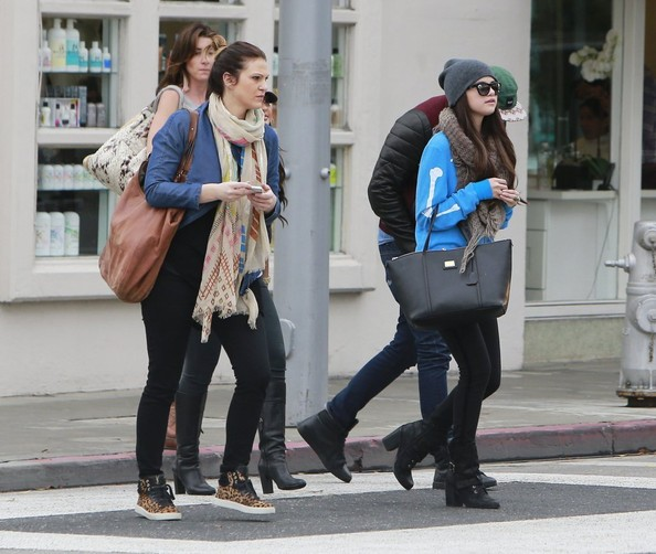 More Pics of Selena Gomez Skinny Jeans (4 of 38) - Selena Gomez Lookbook - StyleBistro