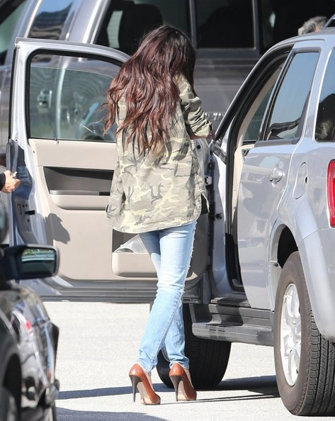 More Pics of Selena Gomez Skinny Jeans (1 of 30) - Selena Gomez Lookbook - StyleBistro