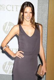 One large bangle was a unique addition to Alessandra's simple premiere look.